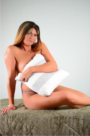 Andrine escort girl in Lexington