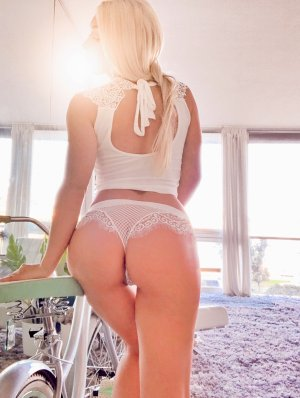 Soliana live escort in Brambleton
