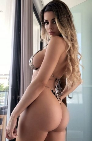 Loumi outcall escorts in Dublin GA